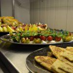 serveringsfat med ulike matretter