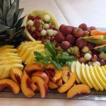 oppskåret frukt på fruktfat